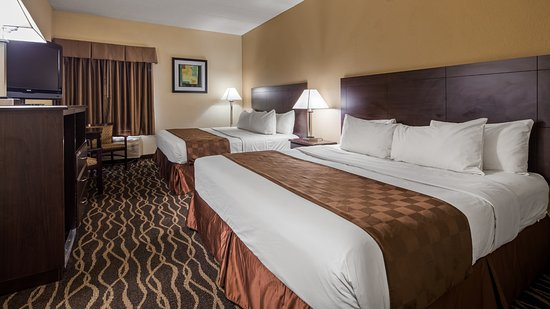 Best Western Indianapolis South : This two king guest room is perfect for a layover, extended stay or weekend getaway.