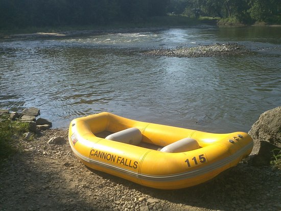 Cannon Falls, MN: River rafting rental