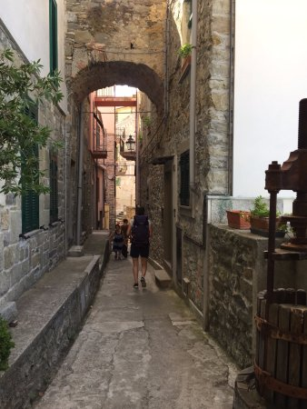 Affittacamere da Cristiana: side street to our room