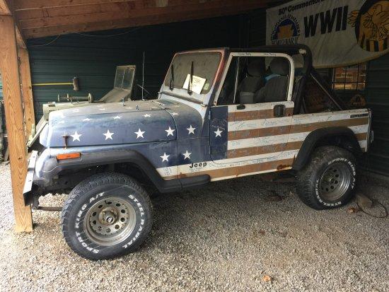 Petersburg, Batı Virjinya: Patriotic Jeep