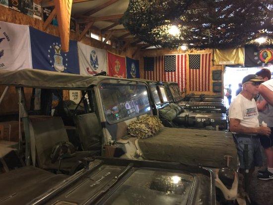 Petersburg, Batı Virjinya: indoor vehicles