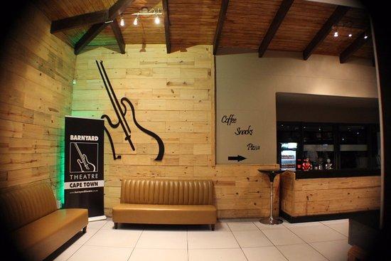 Bellville, Afrika Selatan: ...the inside foyer