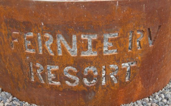 Fernie RV Resort: Fire pit.