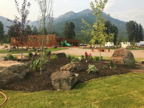 Fernie RV Resort: Central Gardens