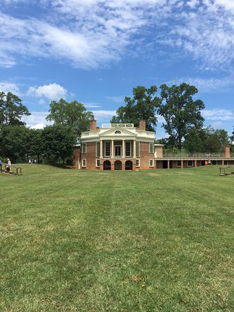 Back of Poplar Forest on a beautiful day