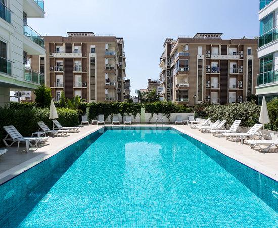 Antalyadaki en kaliteli otel the suite apart hotel for Pool en keeshonden show