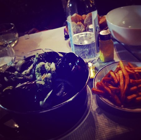Azuru Restaurant Image
