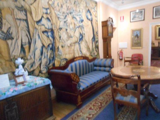 Emilia Pardo Bazan House Museum : Tapiz