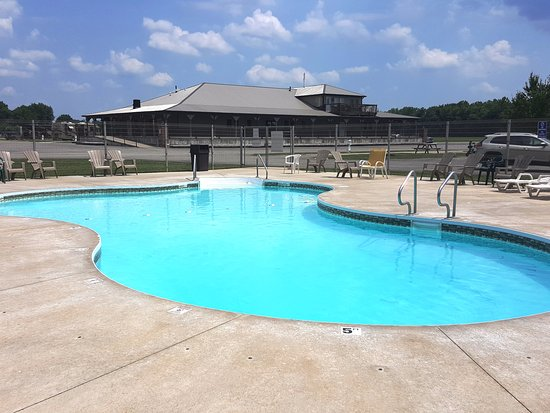 Florence, IN: Heated Salt-water Swimming Pool