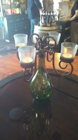 Twisted Vine Winery: Lovely table decor