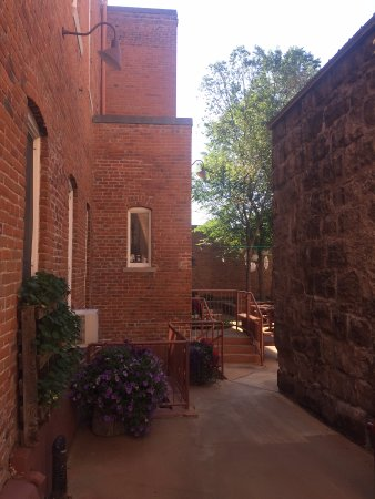 Del Norte, CO: Entry to Courtyard