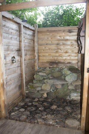 Amazing Outdoor Shower Obr Zok Fronterra Farm Hillier