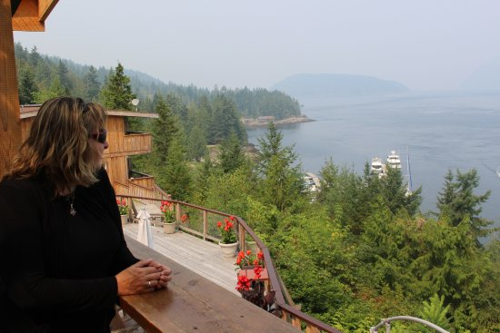 Sechelt, Canada: Gorgeous views from the restaurant . . . although very smokey from the 2017 BC wildfires.