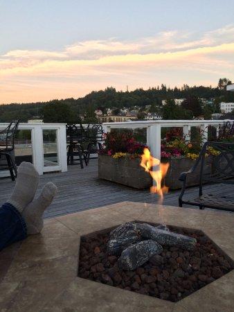 Hotel Elliott: Firepit