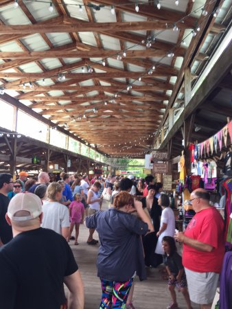 Ithaca Farmers Market : Pretty crowded