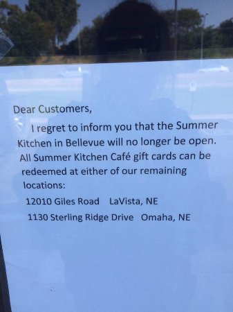 ‪‪Bellevue‬, ‪Nebraska‬: Message on door of Summer Kitchen in Bellevue, NE‬