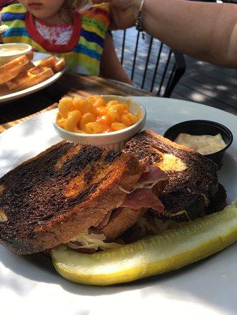 Don Hall's Old Gas House Restaurant & Bar: photo4.jpg