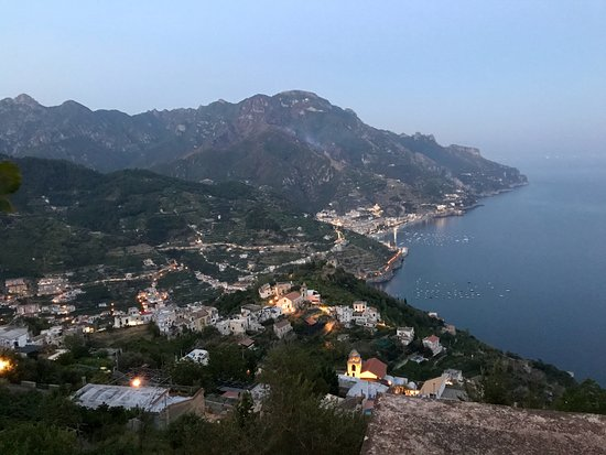 Hotel Villa Cimbrone: overlooking the surrounding villages at dusk