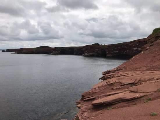 French River, Kanada: It wasn't hard to find like other people were saying. The most amazing red cliffs I've ever seen