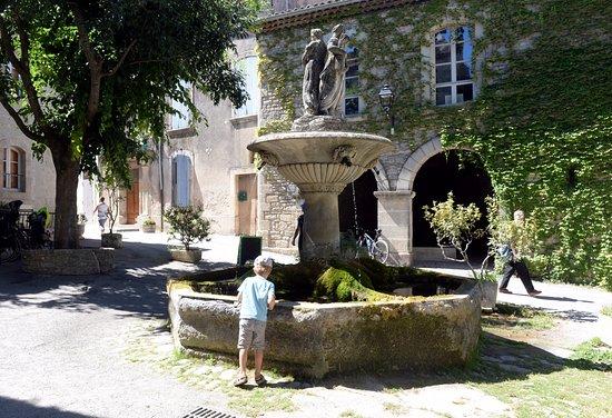 Gargas, France: Village de Seignon