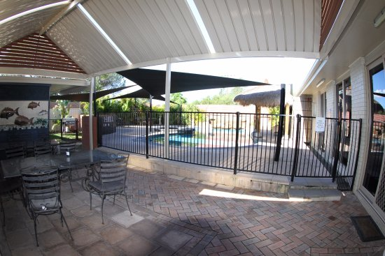 Raymond Terrace, Australia: BBQ Pool Area