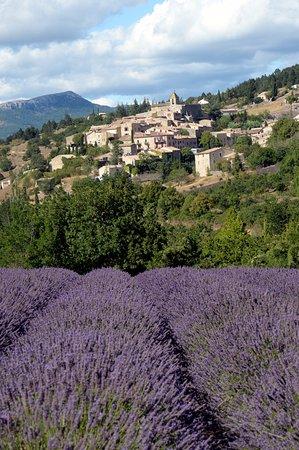 Gargas, France: Village d' Aurel