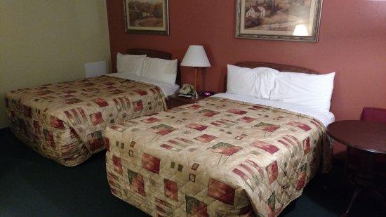 Weathervane Motor Court: Room