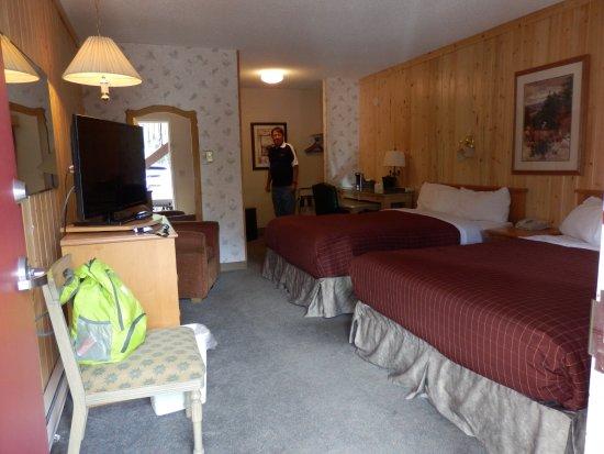 Aspen Village, Waterton, Room 10