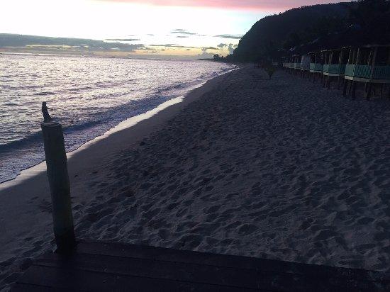 Lalomanu, Samoa: Sun going down