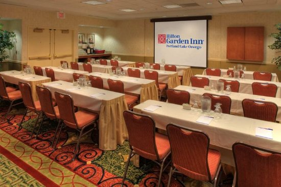 Lake Oswego, OR: Meeting Room / Classroom