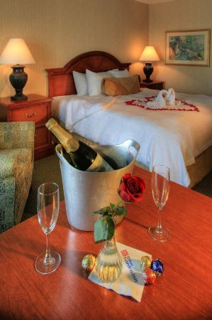 Lake Oswego, Oregón: King Suite Romance Package