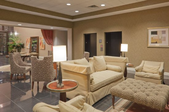 Carbondale, IL: Lobby Lounge