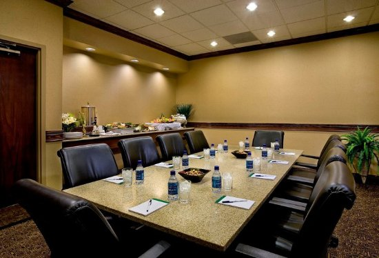 Holiday Inn Express Chicago Palatine: Boardroom