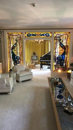 Graceland: photo6.jpg