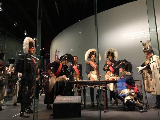 Waterloo, Belgio: Personagens e uniformes