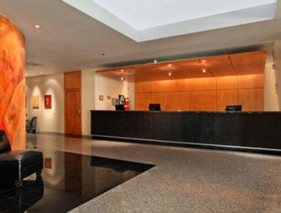 Ramada by Wyndham Tampa Airport Westshore: Lobby