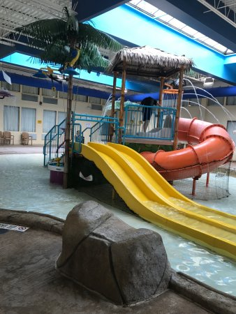 Palm Island Indoor Waterpark: photo1.jpg