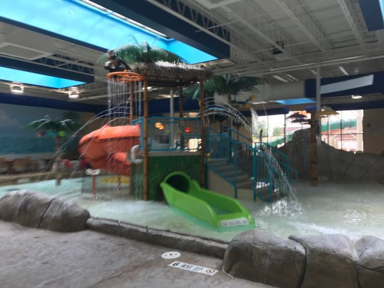 Palm Island Indoor Waterpark: photo4.jpg