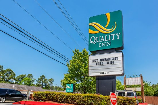 Quality Inn Northeast: Exterior