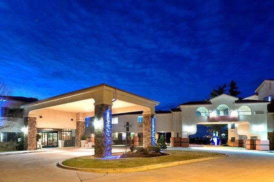 Show Low, AZ: Hotel Exterior