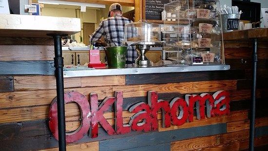 Okmulgee, OK: Front Counter. Nice decor