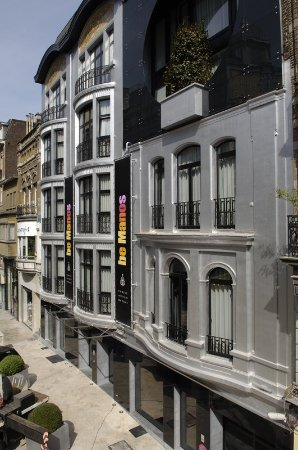 Anderlecht, Belgien: Facade at Be Manos Hotel Brussels