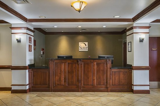Manchester, TN: Front desk