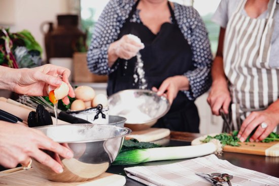 Brooklet, Australia: Our fantastic cooking classes are a hands on experience