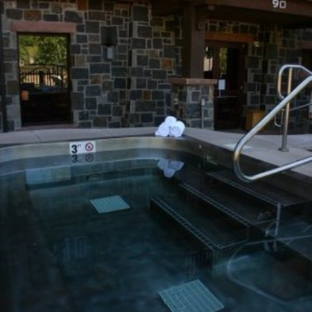 Snowmass Village, CO: Capitol Peak Lodge Jacuzzi
