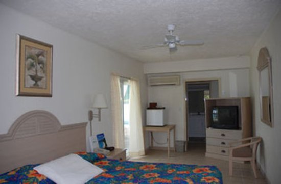 Island Beachcomber Hotel: Guest Room