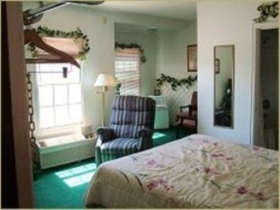 Denison, IA: Guest Room