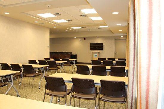 Meeting Room Holiday Inn Express & Suites Cold Lake Hotel