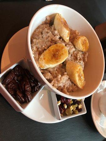 W Austin: Oatmeal with carmelized bananas