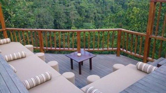Hanging Gardens of Bali: Exterior